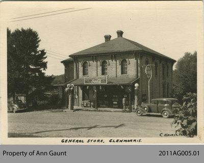 Marchant's General Store in Glen Morris
