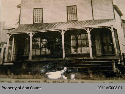 Store House in Glen Morris