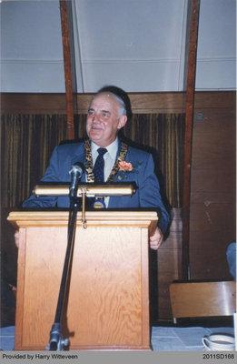 Harry Witteveen Giving a Speech