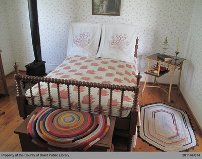 Hunter Quilt and a Period Bed