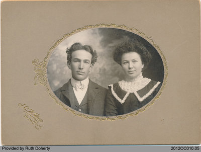 Photograph of Edward Ernest Taws and sister Rose (Taws) Wood