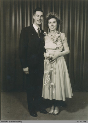 Photograph of Merlyn Dyment and Evelyn Taws