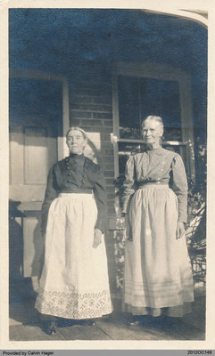 Photograph of Jane and Sarah Deagle