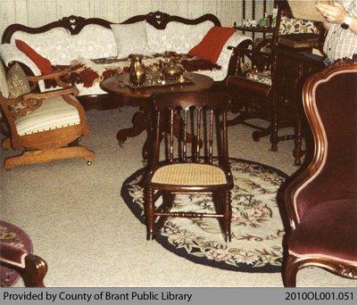 Lloyd Vivian's Antiques #1
