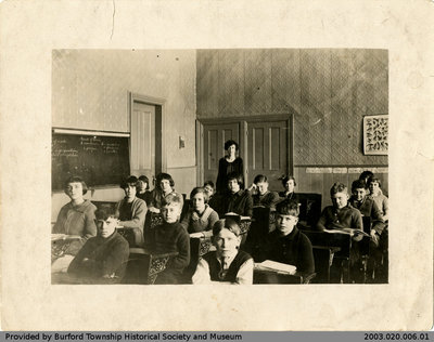 Scotland Public School 1925-26 Class Photo