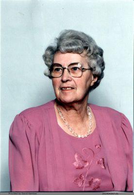 Photograph of Bessie Kemkes (McComb)