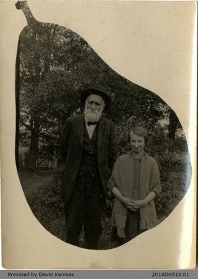 Photograph of Hiram Rosebrugh and Bessie Kemkes
