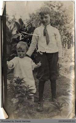 Photograph of Jimmy McComb and Bessie Kemkes McComb