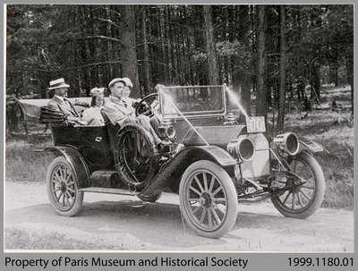 Dr. Daniel Dunton and Family in Car, 1911