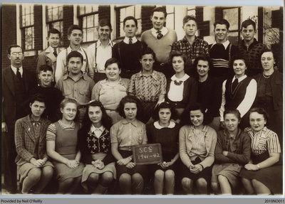 Scotland Continuation School Class Photo, 1941-42