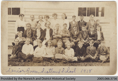Scotland School Senior Room Class Photo, 1918