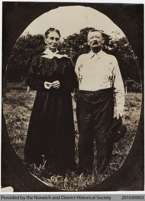Thomas and Mary Jane Hutchinson Lockyer, 1920