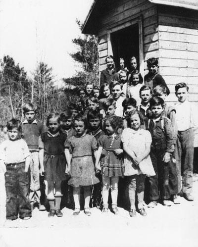 Stonecliffe School Children c.1941-1942