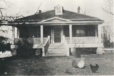 Nisbet Home: house on Park Avenue, Oakville, built by Thomas and James Nisbet.