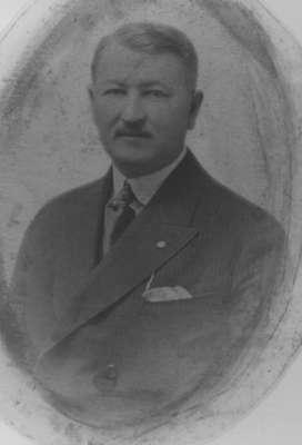 Wilbur Triller Marlatt, 1868?-1945.