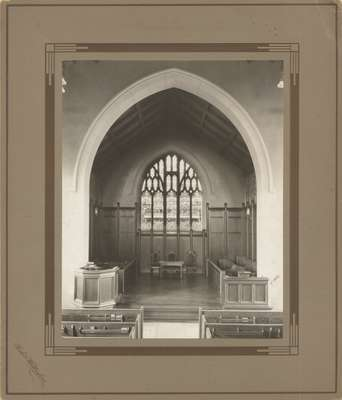 Knox Presbyterian Church, Oakville: chancel, 1920.
