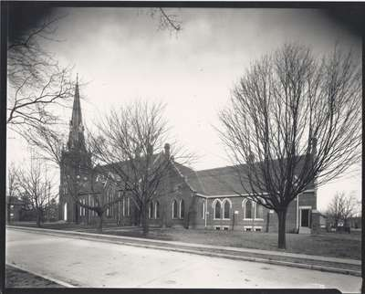 Knox Presbyterian Church, Oakville: building showing 1920 addition.