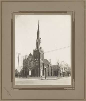 Knox Presbyterian Church, Oakville: exterior 1920.