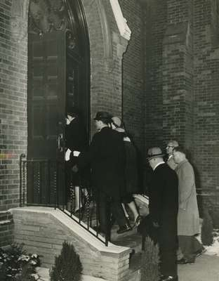 People entering the church, Knox Presbyterian Church, Oakville.
