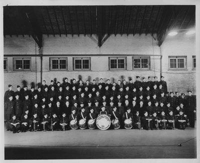 LH2728 Oshawa Chadburn Squadron No. 151 Band, Air Cadets of Canada (group photo)