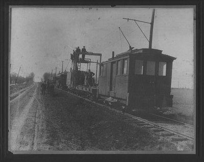 LH2730 Unidentified Men on Work Train