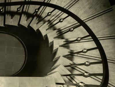 LH2993 McLaughlin Public Library Spiral Stair Case