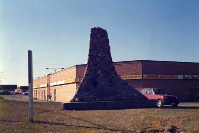 LH0447 Monument- Rev. Robert Thornton