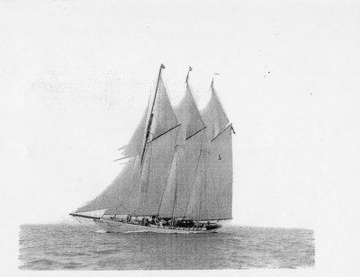 LH0511 McLaughlin, R.S. -Sailing