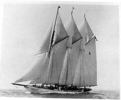 LH0544 McLaughlin, R.S.- Sailing