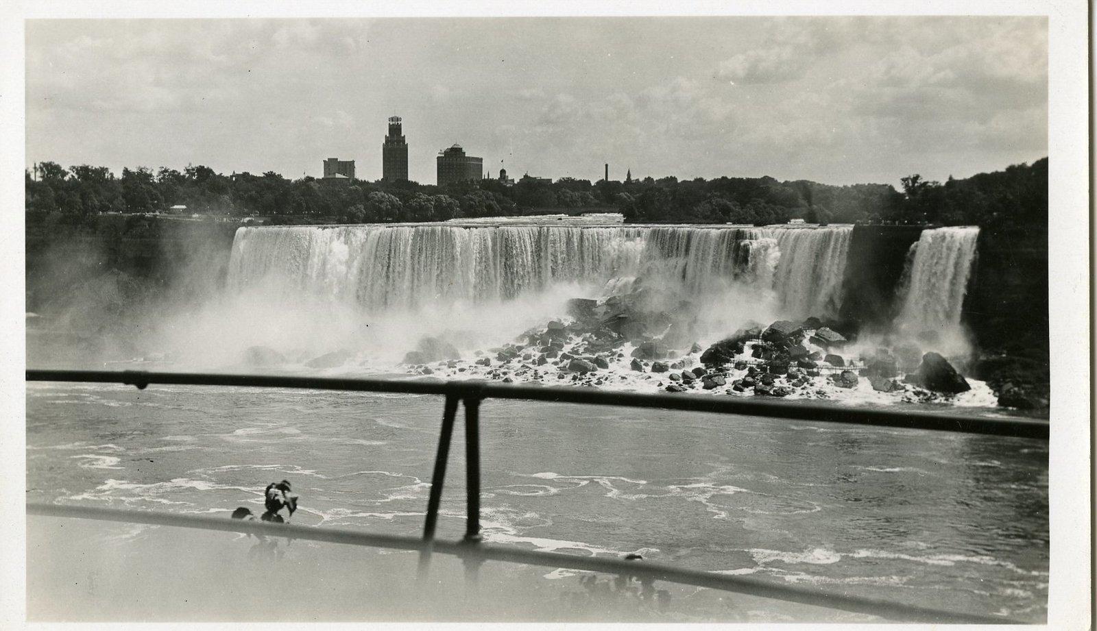 LH1134 Views- Niagara Falls