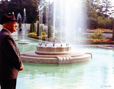 LH1219 Gardens - Parkwood - Fountain - McLaughlin, Robert S.