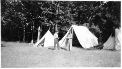 LH1244 Hobbies - Camping - Carry - Dick