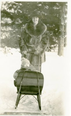 Morphy Family - Morphy, J. Denys - baby - mother - Winter
