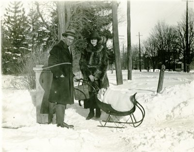 LH1333 J. Aubrey Morphy with Vera (wife) and infant son Denys in a sleigh