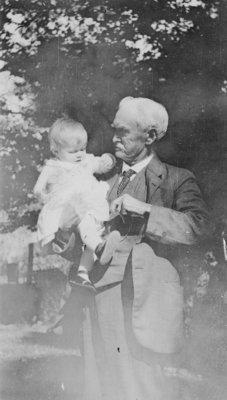 "LH1236 ""Stephanie"", Henry Edmund Morphy and his grand daughter, Stephanie Durnford Jones"