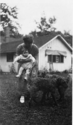 LH1424 Vera & Denys Morphy with dogs