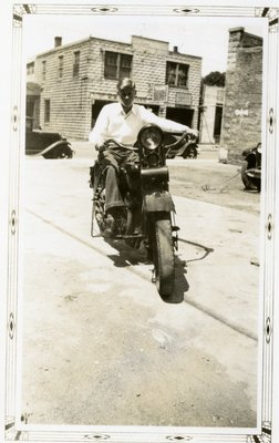 LH2850 Men and Motorcycles (1)