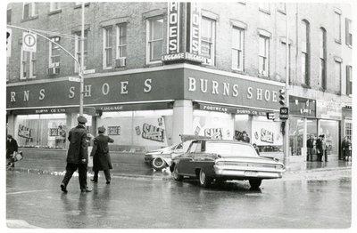 LH2834 Burns Shoes - Car Collision