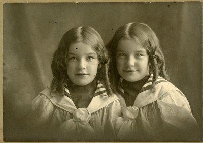 LH2701 Adeleine Braidwood Baker and Madeleine Conant Baker (7 years, 6 months)
