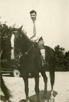 LH2661 Arthur Peacock on a horse