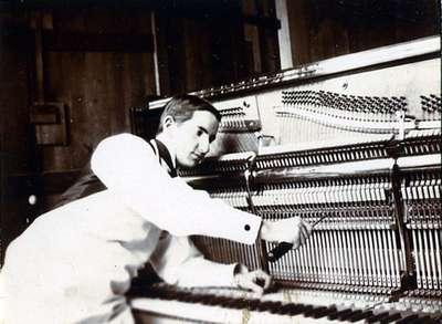 LH0796 Williams Piano - Johns, Don