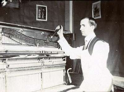 LH0846 Johns, Ron - Williams Piano co.