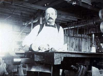 """LH0875 Williams Piano Co. """"Wood Carvers"""" (5)"""