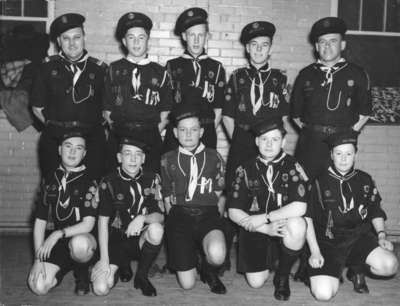 LH1698 Oshawa King Scouts Group Portrait
