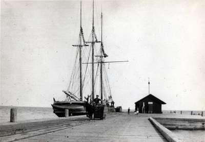 LH1078 The Oshawa Wharf