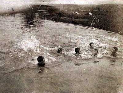 LH0958 Swimming Race, Harmony
