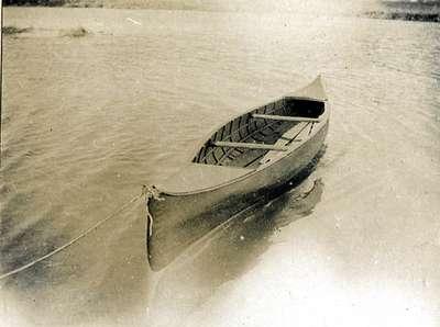 LH0992 Johns, R.N. - Canoe