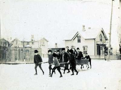 Boys with sleigh (2)