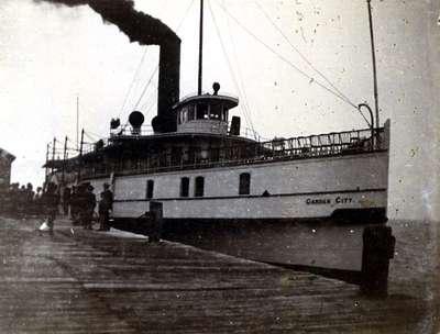 LH1028 Steam ship - Garden City - at Oshawa-on-Lake