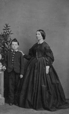 LH1227 Henry Edmund Morphy and His Mother